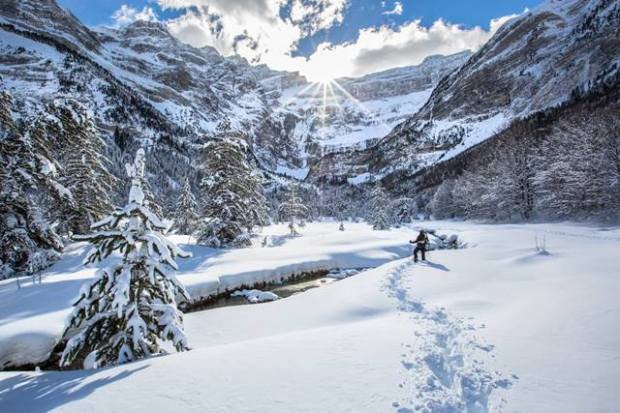 cirque_de_gavarnie_hiver_neige_raquettes_pyrenees_bdf.jpg